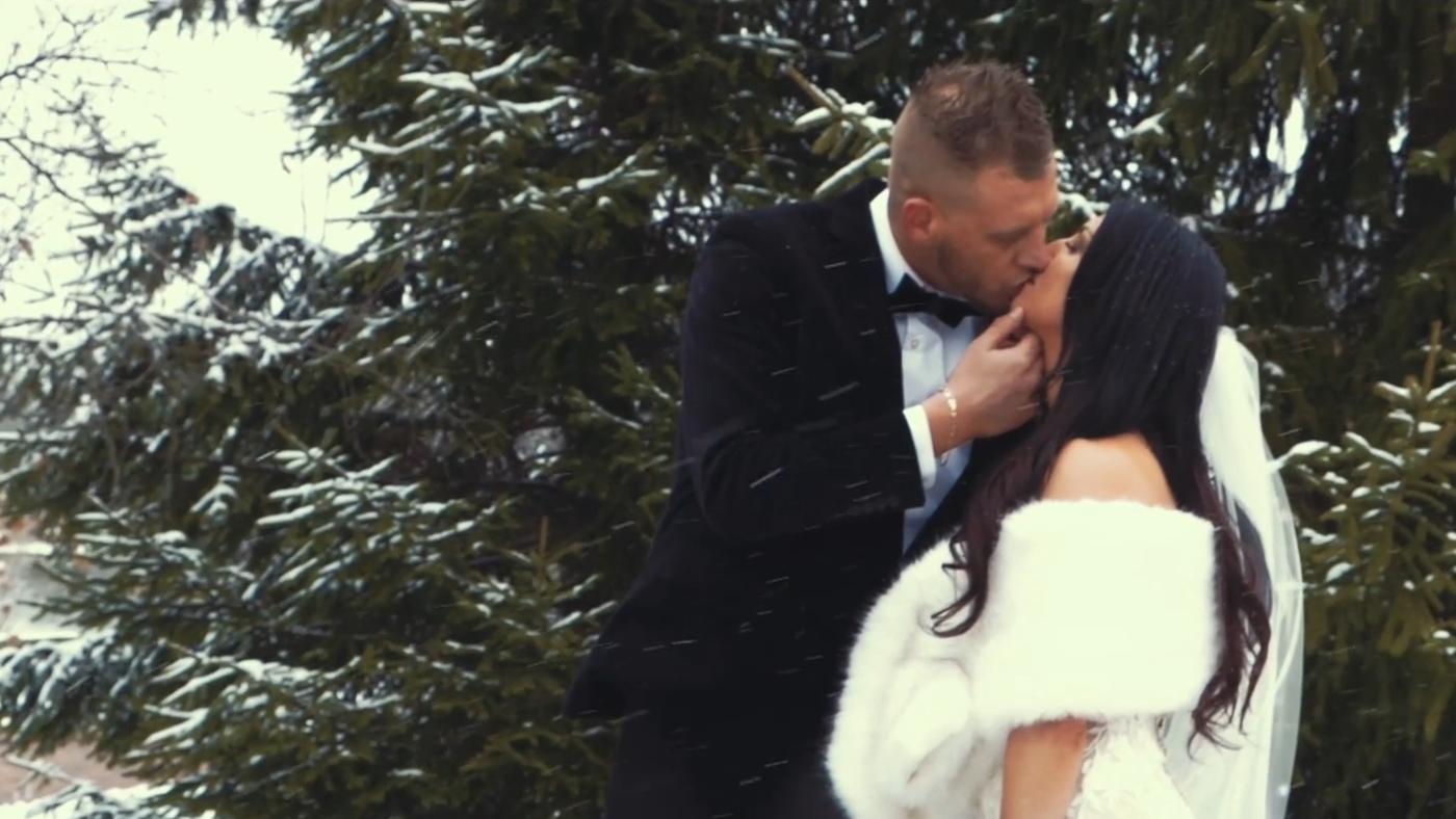 Joey + Kimberly Winter Wedding at Gervasi Vineyard